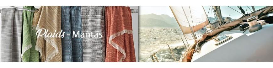 Plaids und Decken